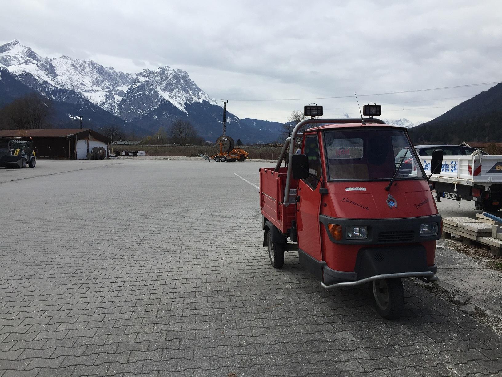 Garmisch_AustrianBoarder