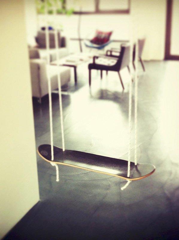 SkateSwing